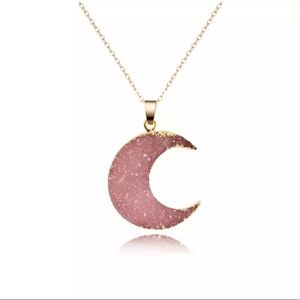 Jewelry - ⚡2/$20 SALE 🌙💕 Pink crescent moon necklace